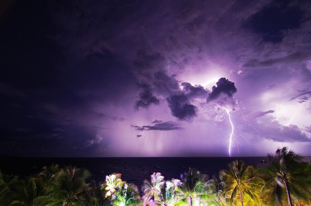 給你不同的長灘島夜景!!