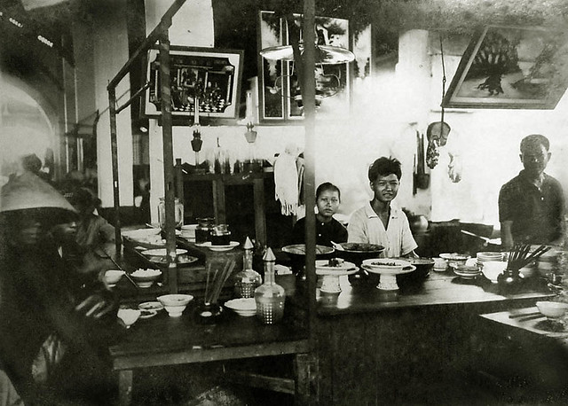 Saigon vers 1930 - Restaurant annamite
