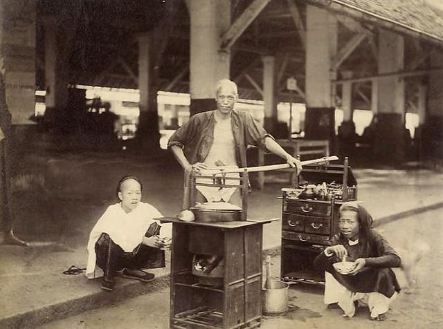 Cholon - Marchand de soupe ambulant, circa 1880