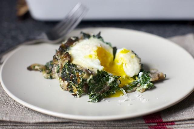 烤鸡蛋菠菜和蘑菇威廉希尔网上娱乐