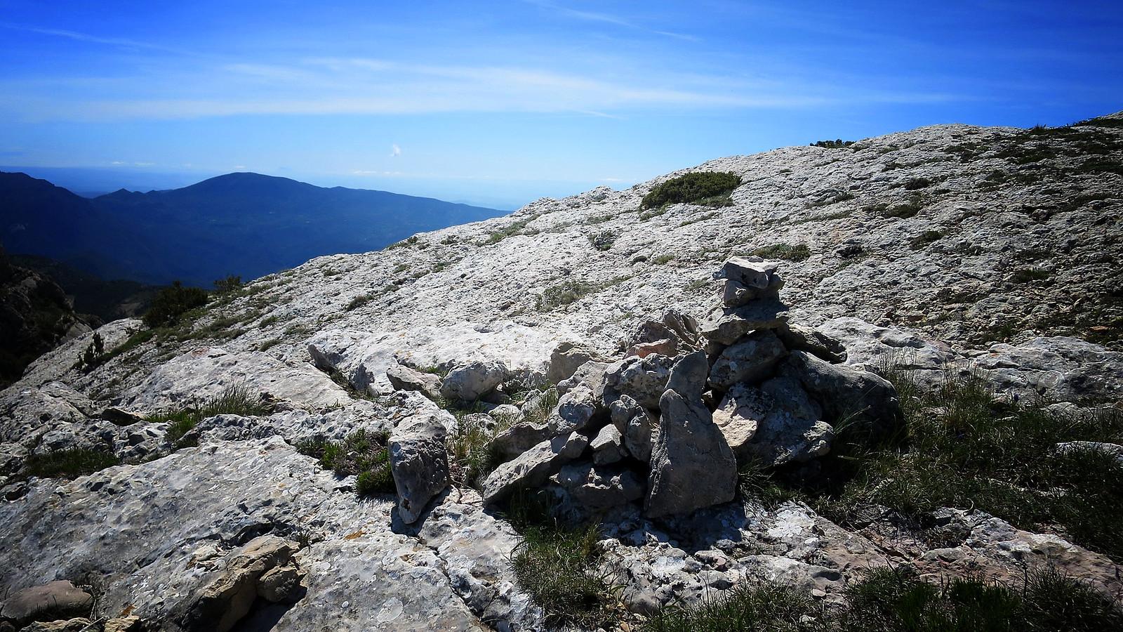 Serra del Montsec: Coll d'Ares - Sant Alís - Pas de l'Ós per la carena del Montsec