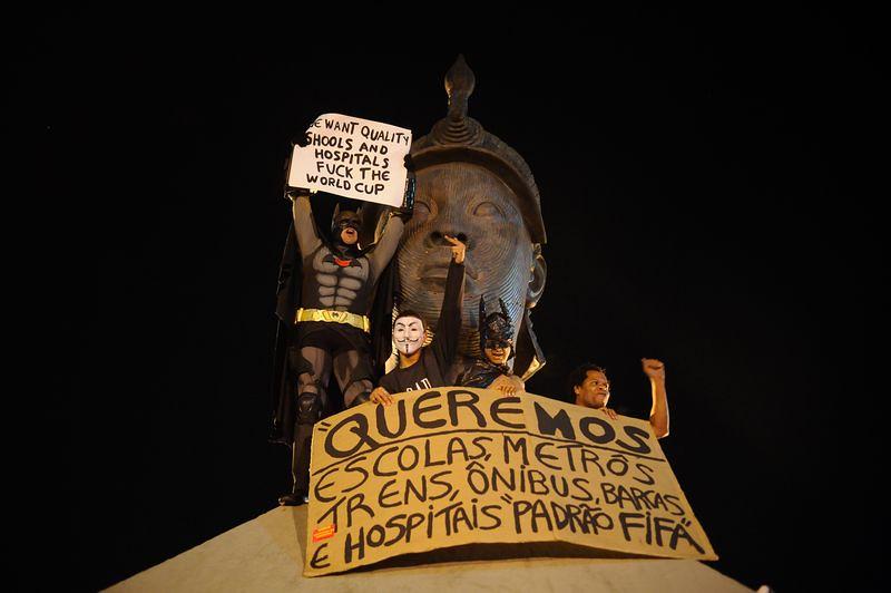 914791-protesto_copa_rio_de_janeiro-2400