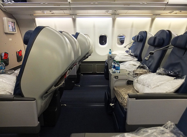 airplane flights: air france a380 cabin interior pictures