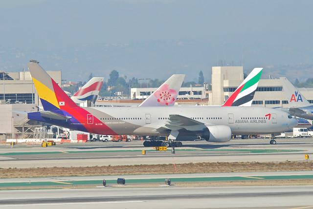 Asiana Airlines Boeing 777-200ER; HL7739@LAX;11.10.2011/623og
