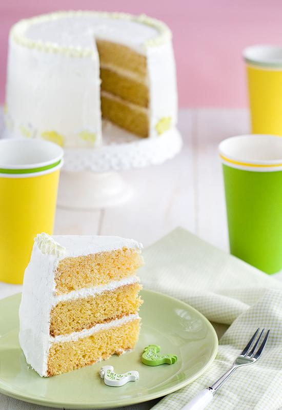 Tarta de Pascua. Layer cake de vainilla y nata