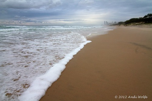 Surfers Paradise by andiwolfe (Jet-lagged)