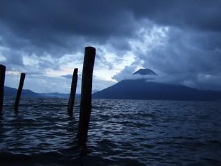 Volcán San Pedro, Lago de Atitlán