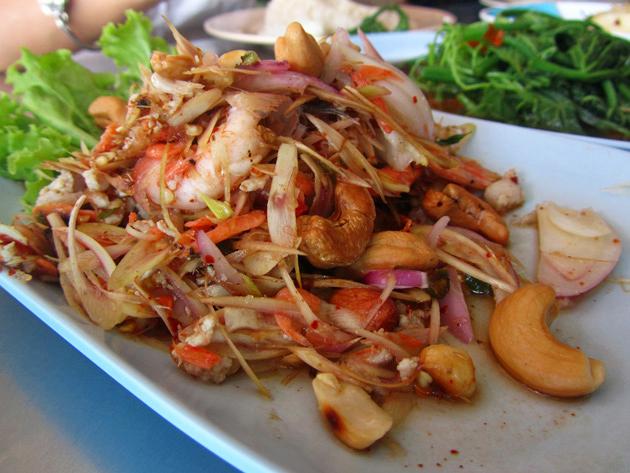 Yam Takrai Goong Sot (Shrimp Lemongrass Salad) ยำตะไคร้กุ้งสด