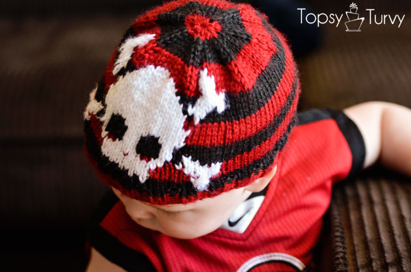 intarsia-skull-baby-beanie-top-side