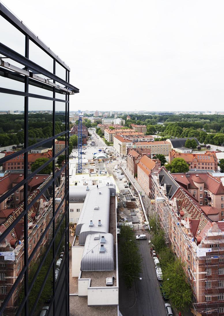 Malmö reflected