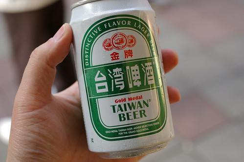金牌台湾啤酒 by qutary