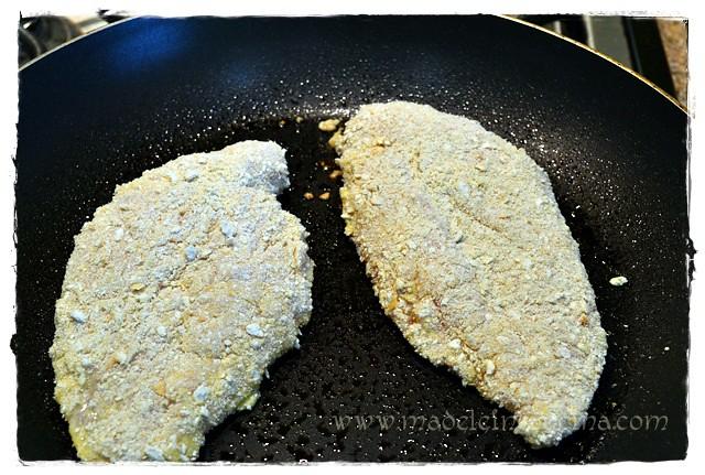 Cocinando el pollo empanizado