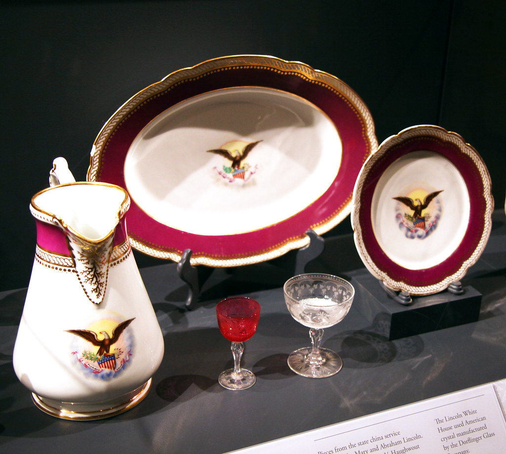Lincoln White House service set 1861 - Smithsonian Museum of Natural History - 2012-05-15