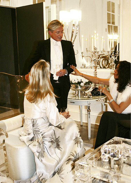 Tea With Claudia: Geoffrey Bradfield, Designer Geoffrey Bradfield sat with Claudia Juestel for an engaging interview over tea at New York's Hotel Plaza Athenee. The result is a whilrwind overview of a most glamorous life. Enjoy!