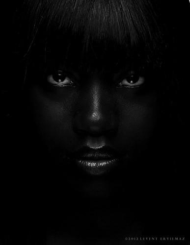 bw woman white chicago black girl beautiful beauty fashion hair glamour eyes nikon key dish f14 low sb600 85mm sigma lips reflector headhot chicagoist sb800 su800