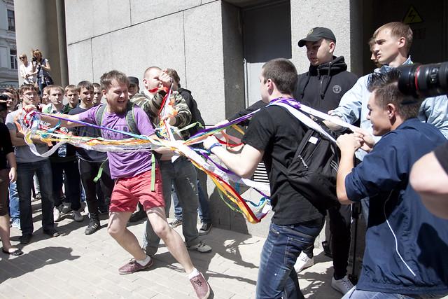 Гей-парад в Москве 27 мая 2012