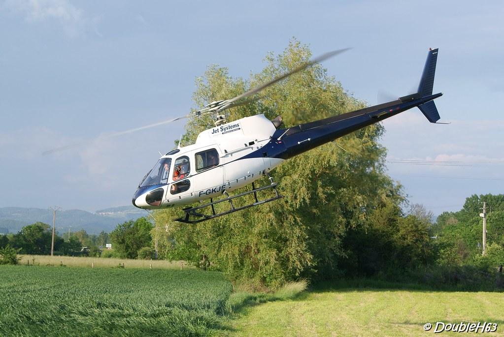 Baptême d'hélicoptère @ Lempdes le 28/05/2012 7357603946_59f761926b_b