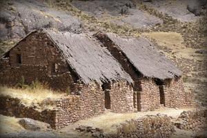 viviendas-incaicas-complejo-arqueologico-huaytara