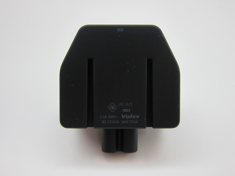 Microsoft Surface 2 - 3-Pin Plug Front