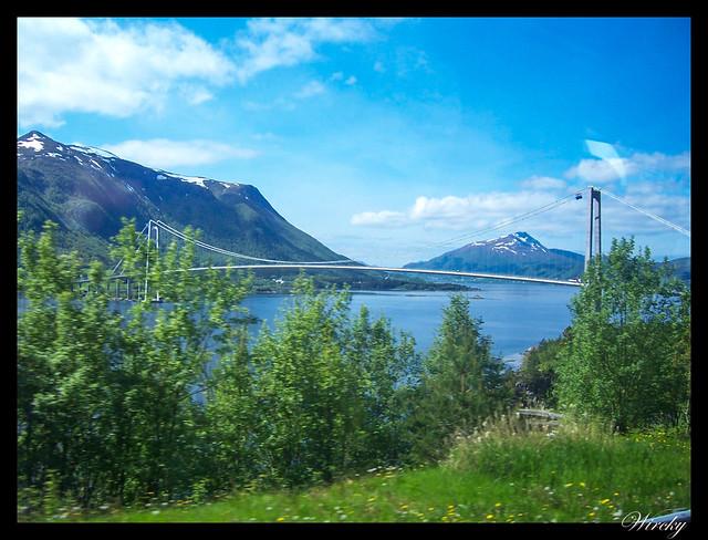 Fiordos noruegos Trondheim Vinjef Valsoy Halsa Molde Alesund - Puente hacia isla Bergsøya