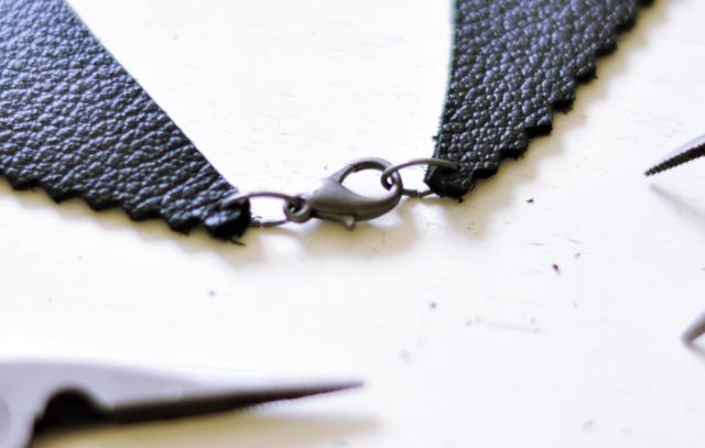 leather peter pan collar diy-7