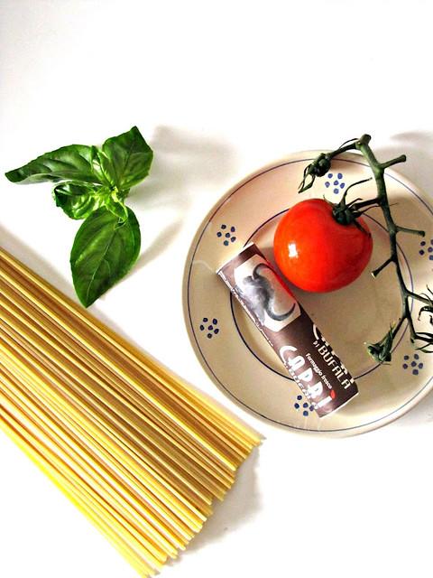 Nidi di Spaghetti alla Chitarra con Cuore di Bufala