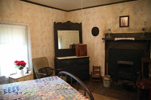 elvis presley birthplace bedroom flickr photo sharing