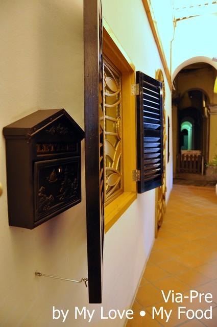 2012_05_28 Via Pre Tavern in Habour 044a