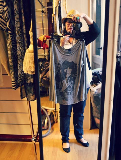 probando camiseta