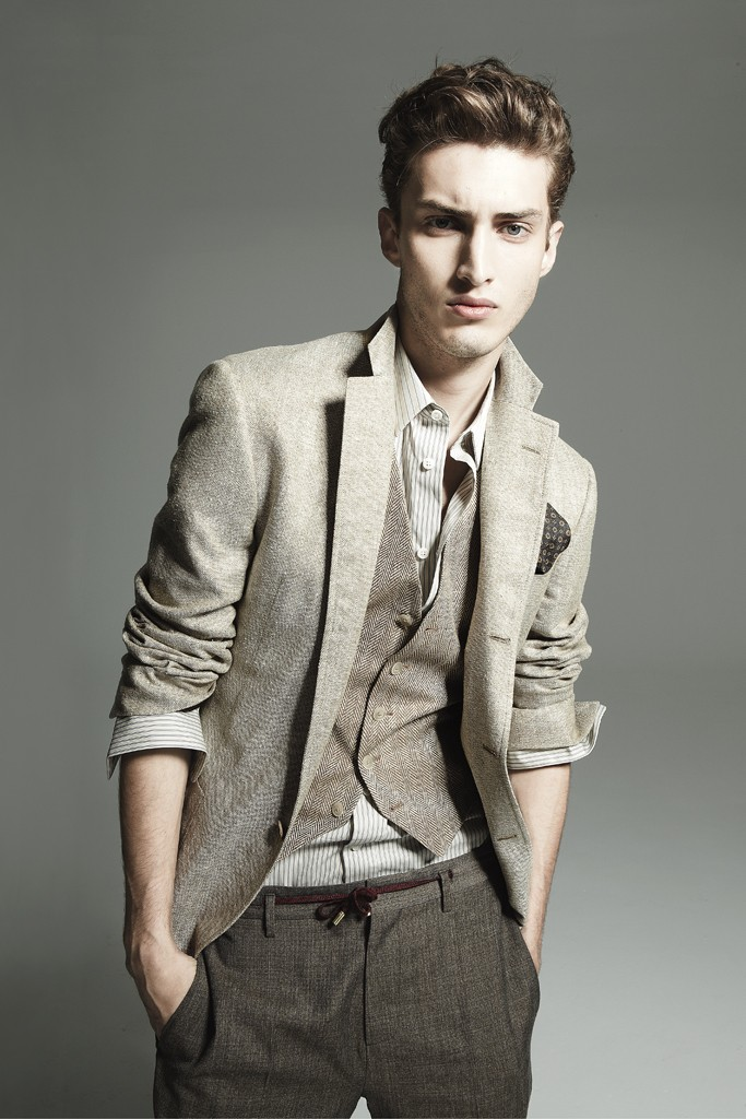 Charlie France0247_Mens Week May 2012(Homme Model)