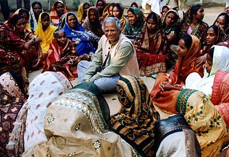 設立葛拉敏銀行,開創微型貸款予窮人進行創業的孟加拉經濟學者尤努斯。圖片來源:http://www.kuqin.com/chuangye/20091010/70632.html