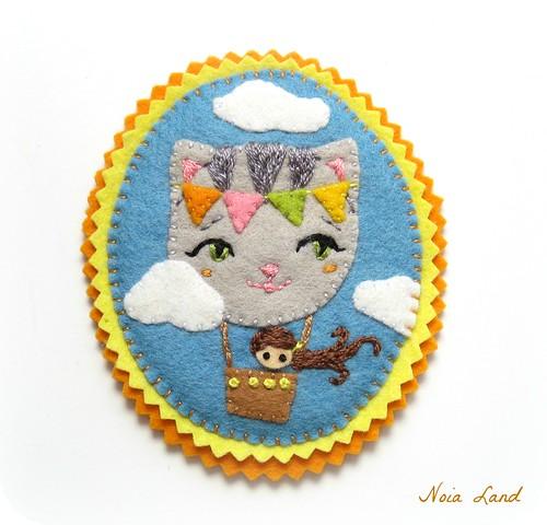Broche de fieltro: El gato volador