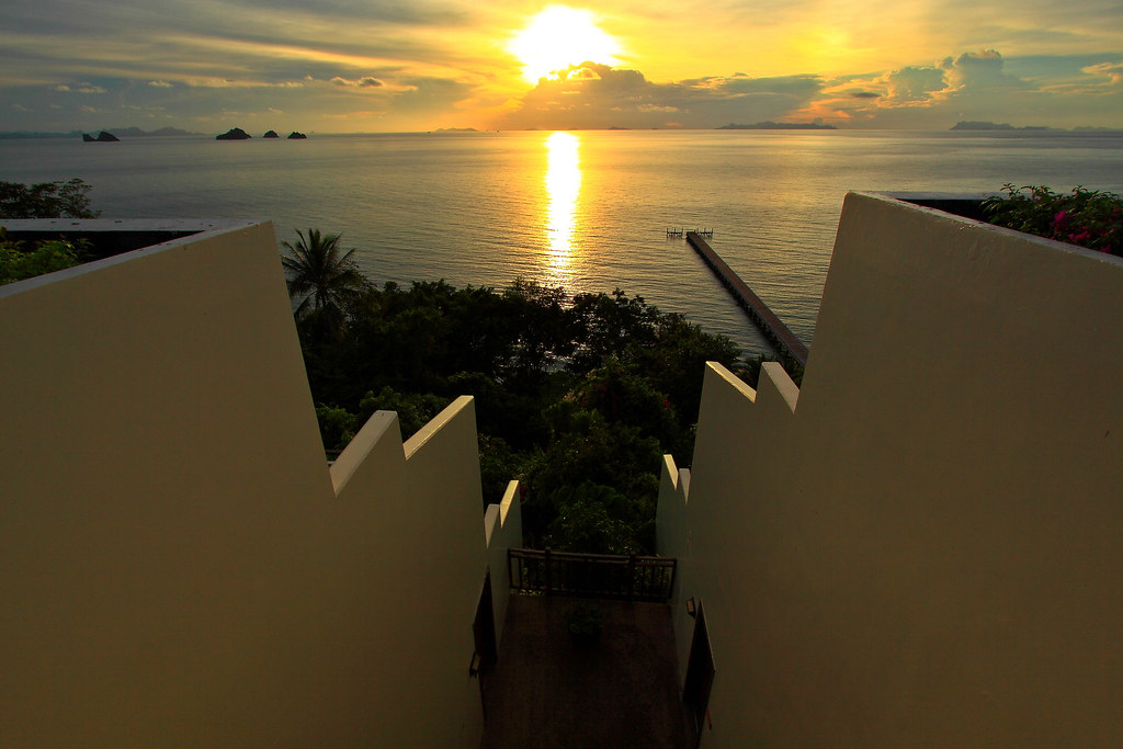 IC Samui Baan Taling Ngam - Sunset 1.jpg