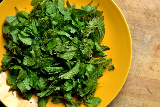 mint leaves for virgin mojito