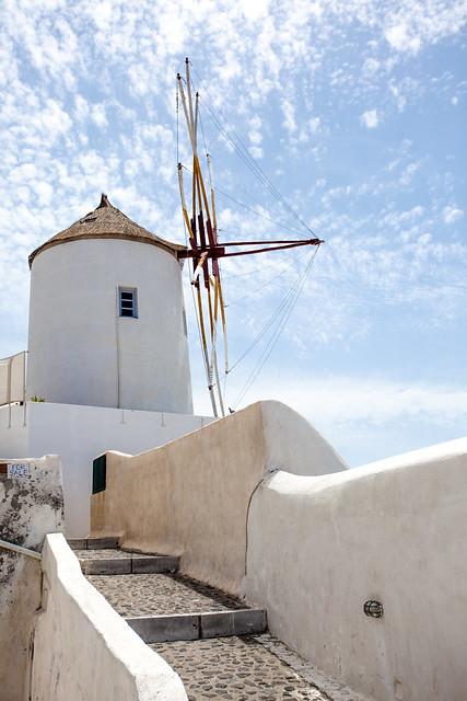 Windmill [EOS 5DMK2 | EF 24-105L@37mm | 1/1600 | f/7.1 | ISO200]