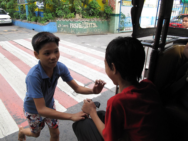 kids sabit at jeep
