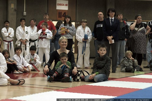 rachel & her boys watching the karate demonstration    MG 0495