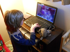 Dust Mite helps Silas with his computer games