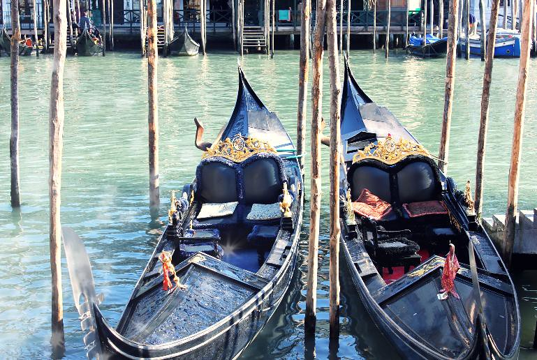venice day 2 2 gondolas