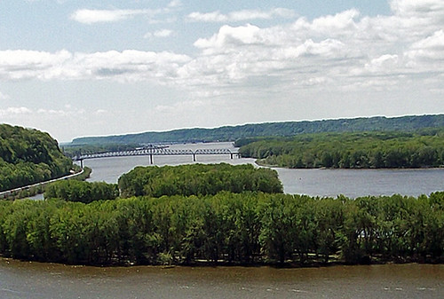 1713 river bridge