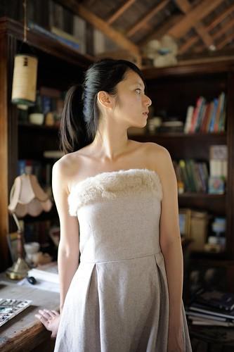 [フリー画像素材] 人物, 女性 - アジア, ワンピース・ドレス, 人物 - 横顔・横を向く, 台湾人 ID:201203291400