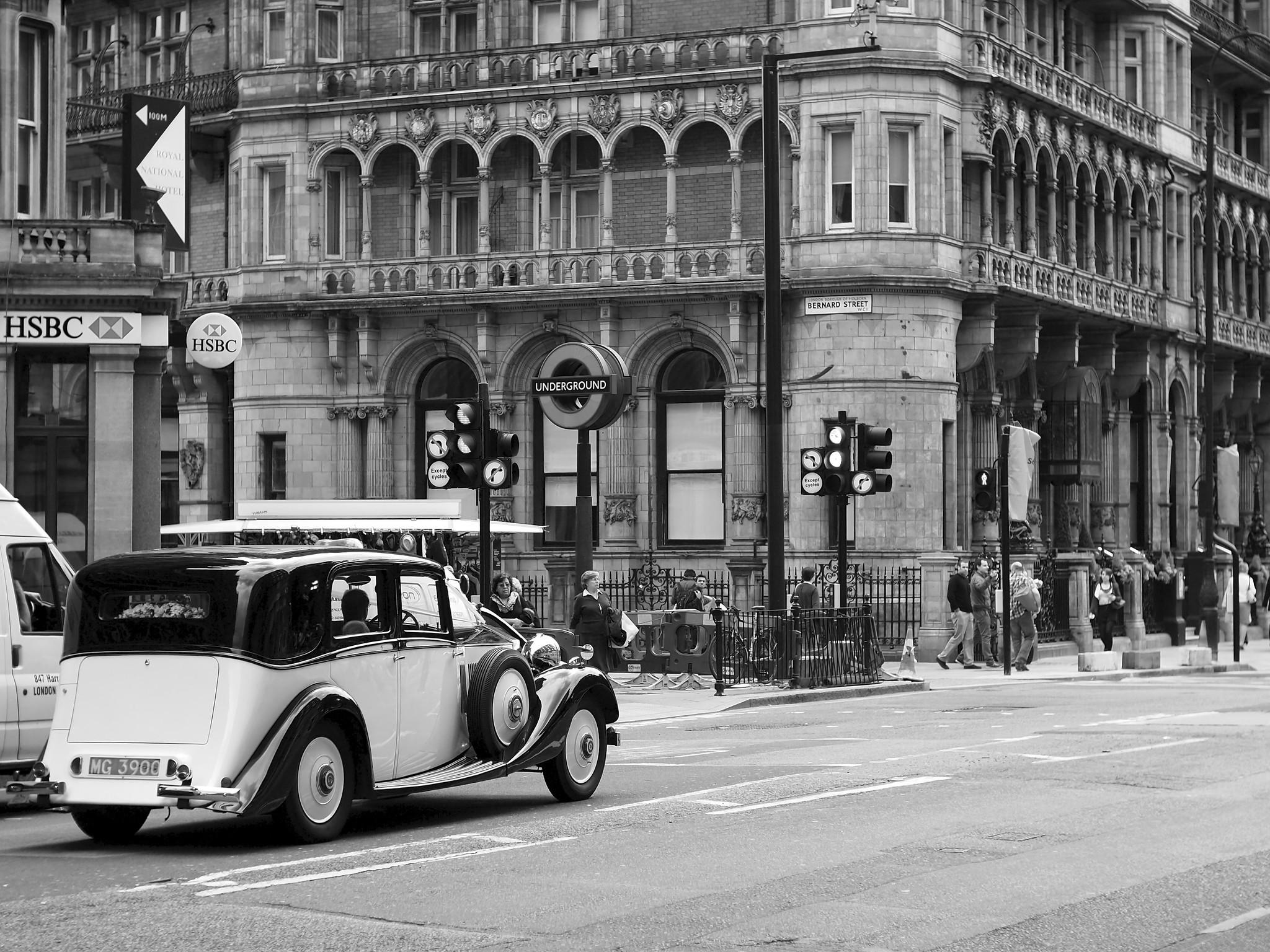 Bloomsbury Classic Cars