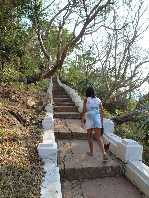 The steps up Mount Phou Si