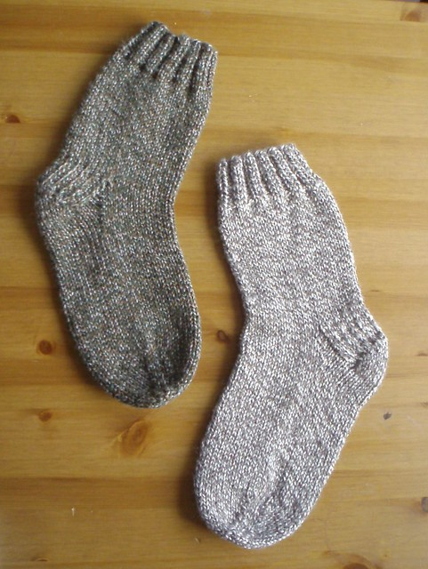 Free Knitting Patterns For Socks On Circular Needles : Knitting socks on a circular needle, pattern and tutorial available! Flickr...