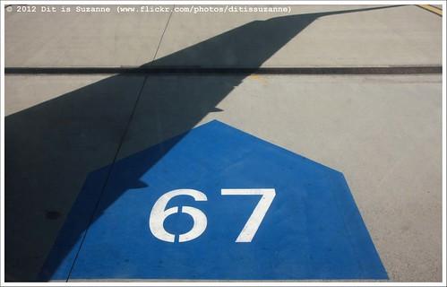 airplane hungary budapest number 67 vliegtuig magyarország самолет boedapest hongarije цифра views200 cijfer img4763 будапешт onderwegineuropa ontheroadineurope ©ditissuzanne canoneos40d путешествуяпоевропе 03102011 sigma18250mm13563hsm венргия