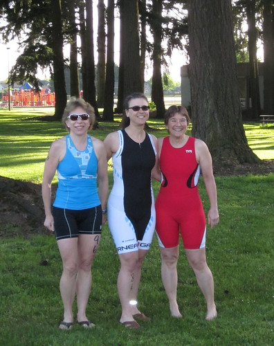 Linda, Susan and me, pre-race