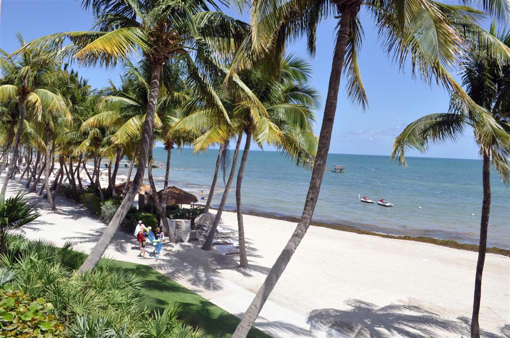 Playa de nuestro hotel, Waldorf Astoria Casa Marina Key West florida keys, carretera al paraíso (mejor con un mustang) - 7214479136 5c28b4b22c o - Florida Keys, carretera al paraíso (mejor con un Mustang)
