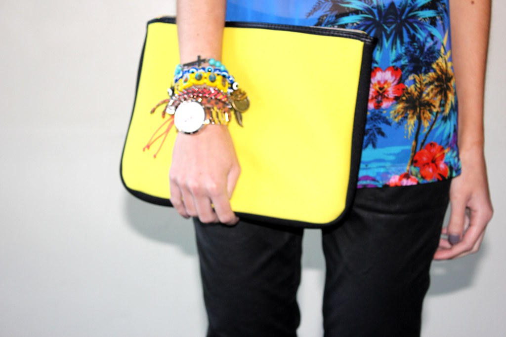 palm print hm neon clutch arm swag