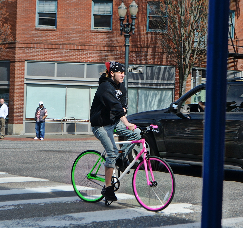 color_man_bike_pink_green__WestBurnside_SE2nd_BeFunky