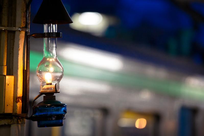 小樽駅的玻璃燈點亮該地歷史與特產